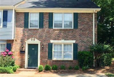 Ivey Crest Townhomes in Tucker | AtlantaTownhomes.com
