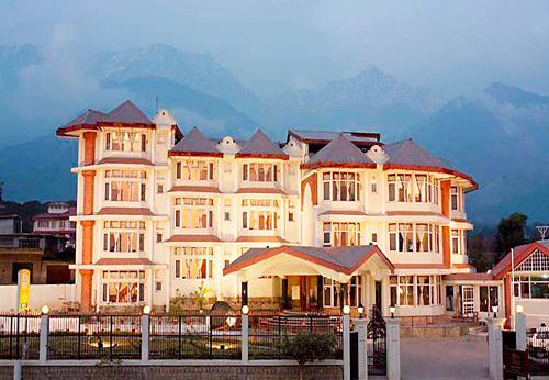 Resorts in Dharmshala | Holiday In Resorts