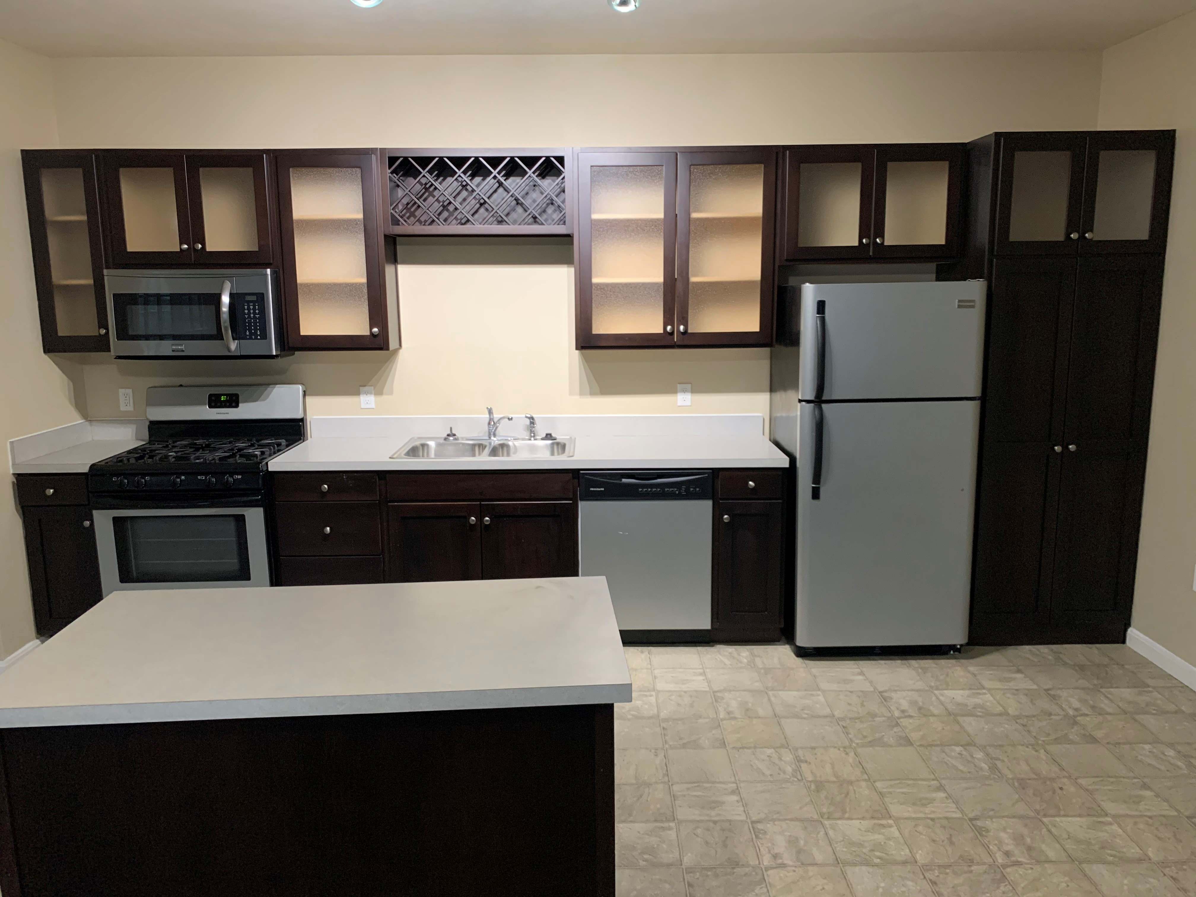 Pine Valley 1 Floor Apartment - 1 Bed, 1 Bath, 881sq ft ...
