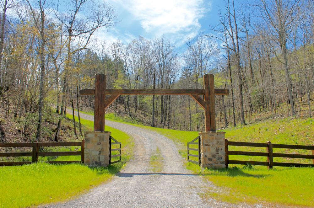 Pine Valley Lodge and Lake Retreat in Chilton County ...