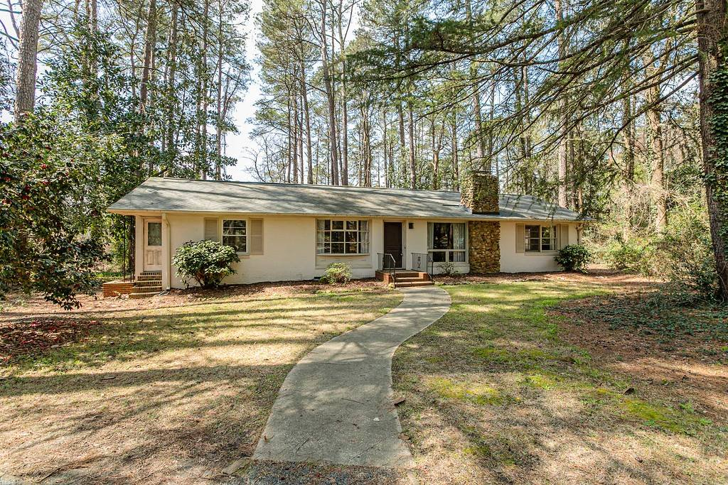 670 South Valley Road, Southern Pines, NC 28387 | Listings ...