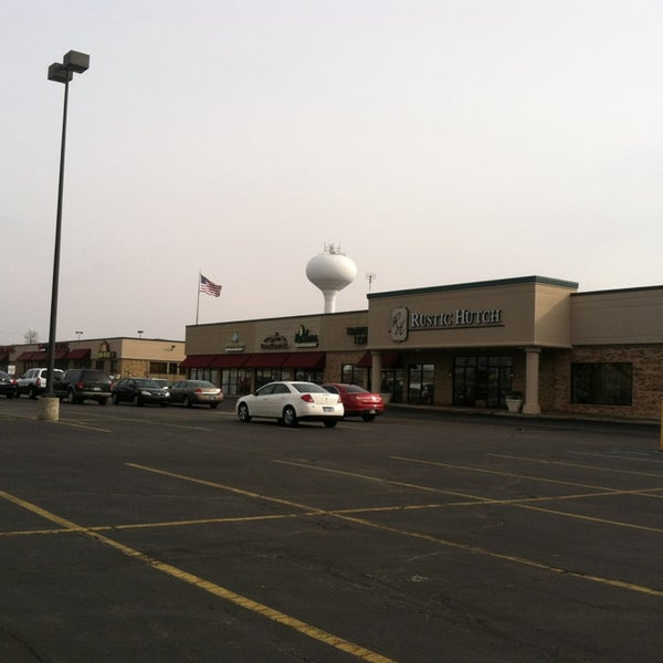 Pine Valley Shopping Center - Fort Wayne, IN