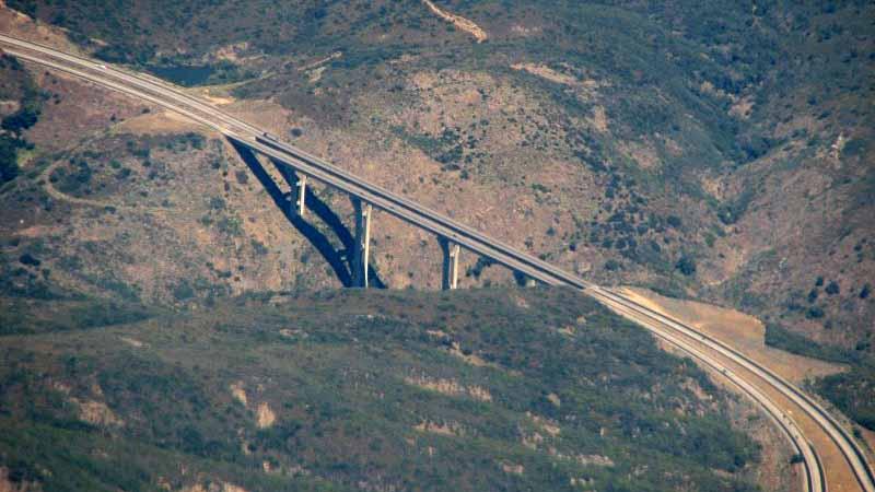 Driver Dies in Car's 400-Foot Plunge Off Pine Valley ...