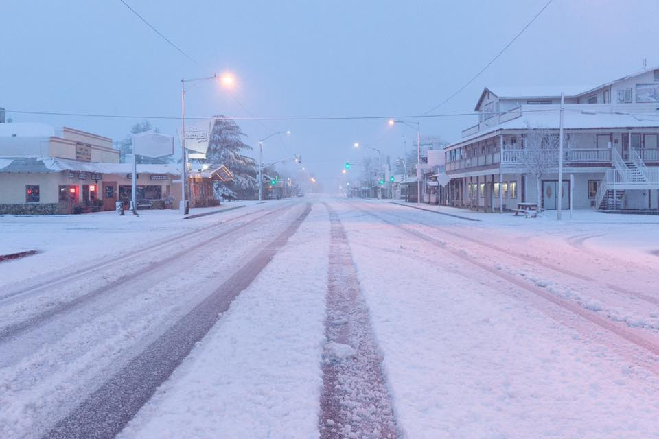 Is snow an issue driving Los Angeles to Death Valley in ...