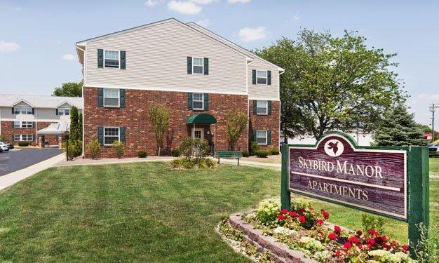 Sunny Hill Apartments | 708 Frances Court, Sun Prairie, WI ...
