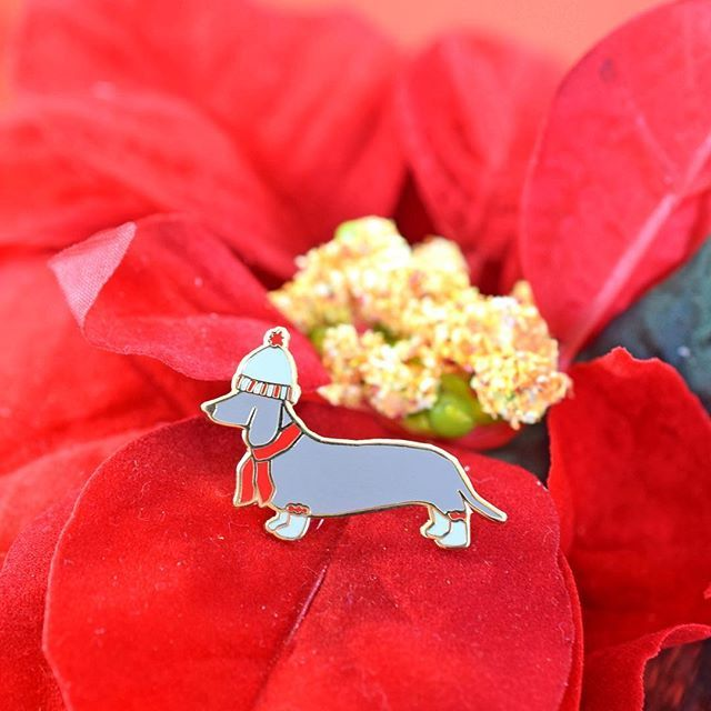 Holiday Pup Pin - Daschund Valley Cruise Press www ...