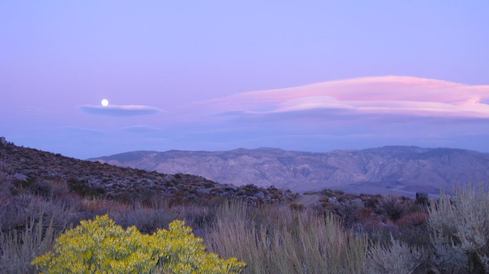 Big Pine, CA : McMurray meadow Road, Big Pine, Ca fall ...
