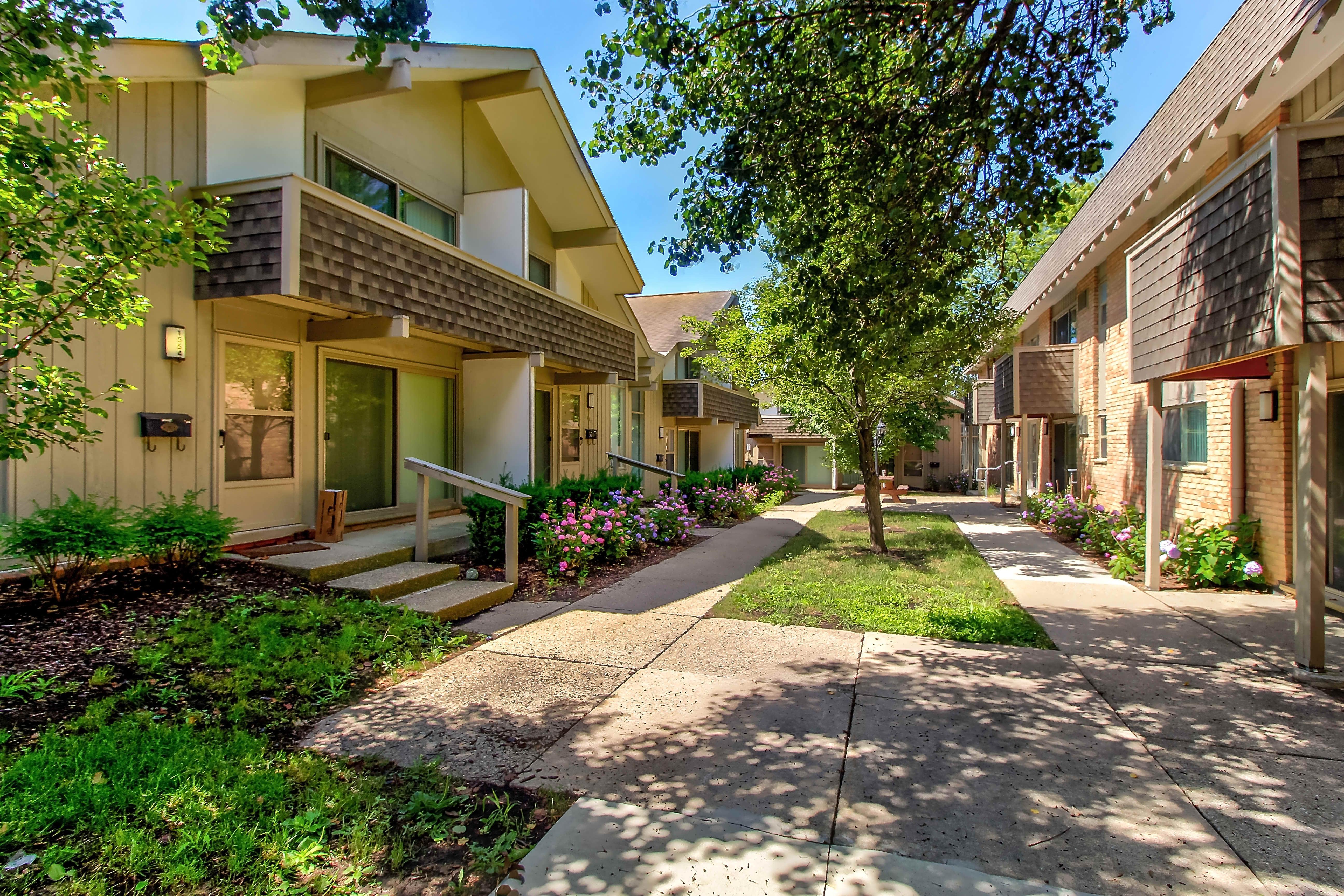 Pine Valley Apartments, Ann Arbor MI - Walk Score