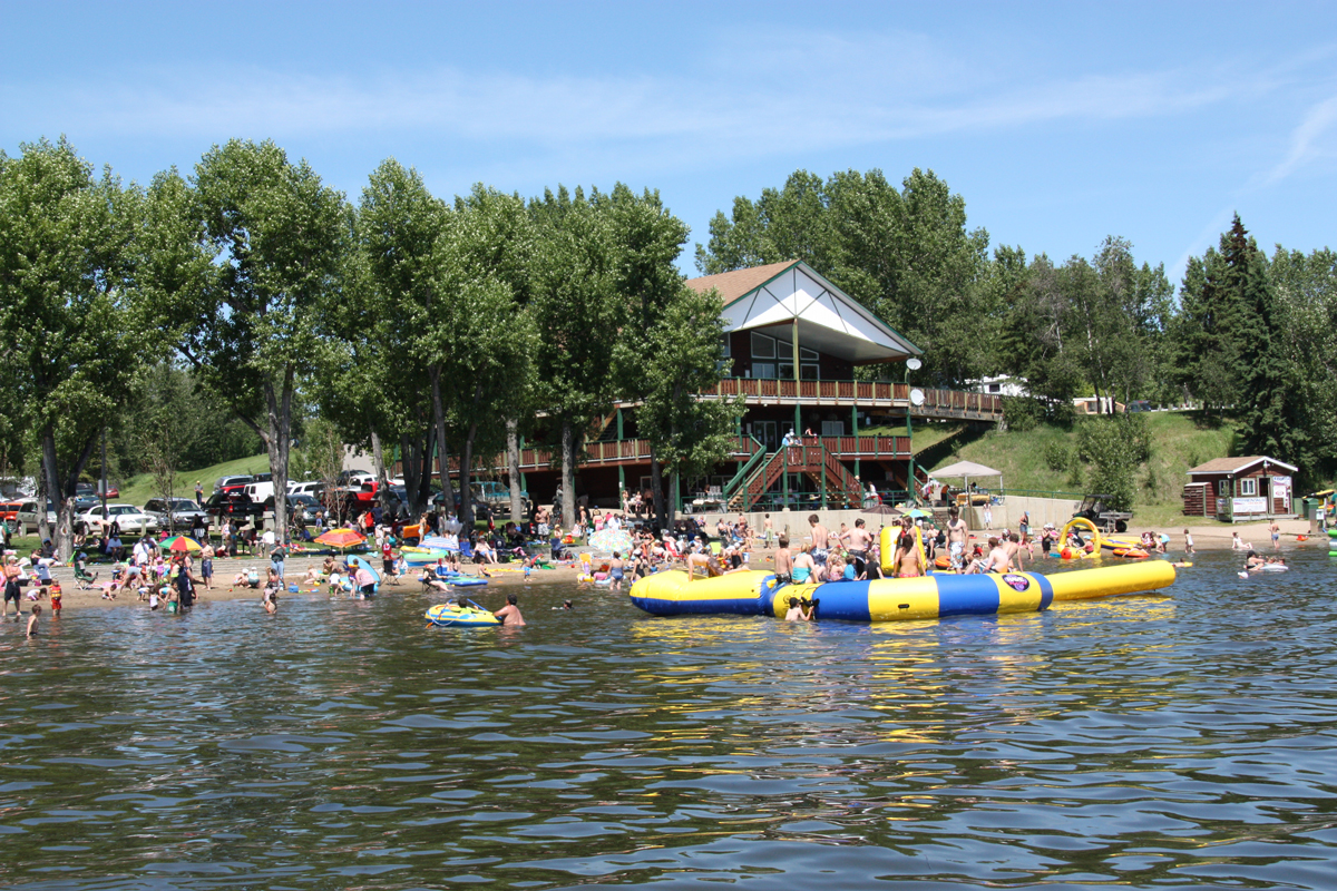 Activities, Features, Events & Local Amenitites| Pine Lake ...